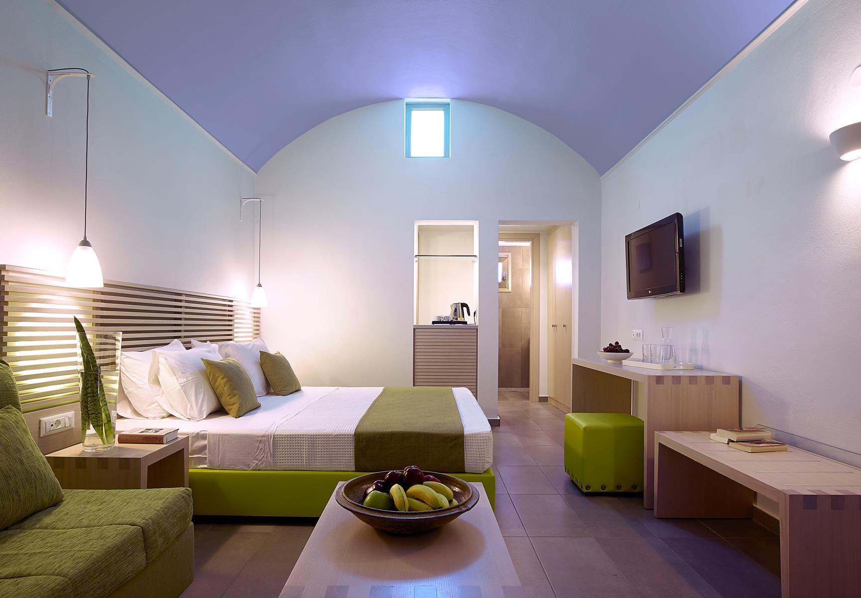 Family Rooms Ierapetra | Kakos Bay Hotel | Ierapetra, Crete, Greece